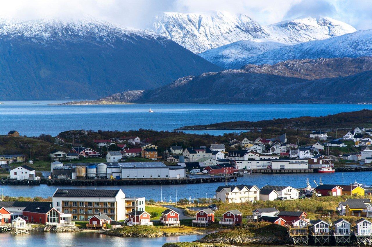 Landscape image of Sommarøy island