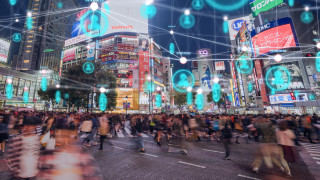 How should e-commerce businesses adapt as shoppers return to the high street?